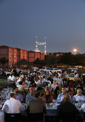 darulaceze_aile_iftar2